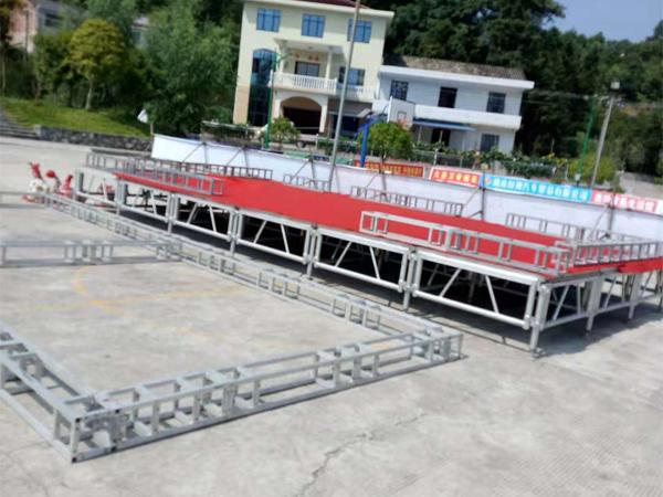 请问云南铝合金桁架厂家:铝合金桁架可以搭建舞台灯光架吗