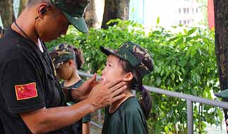 在线参加广州军事夏令营活动