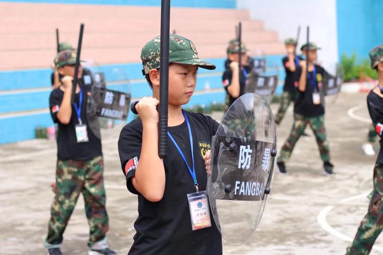 黄埔军校军事夏令营-警棍术
