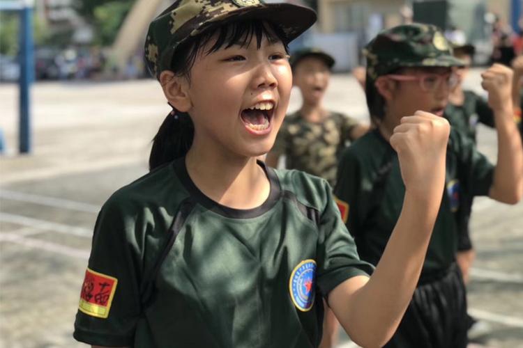 黄埔军事校夏令营活动-擒敌拳