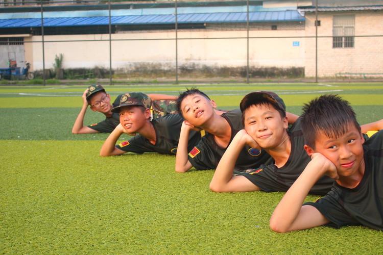 孩子参加军事夏令营有用吗?