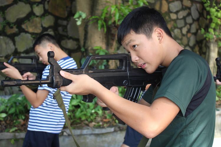 黄埔军事夏令营让孩子在暑假中快乐游玩