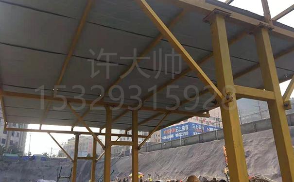 4.8乘7米双排方钢柱子式钢筋棚