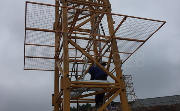 塔吊防爬网(不带栏杆的)