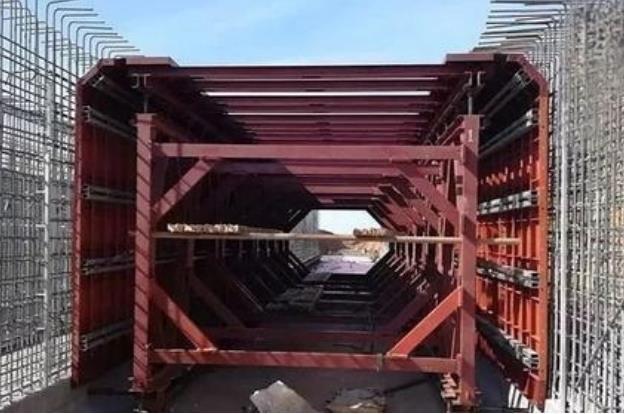 地下管廊钢模板