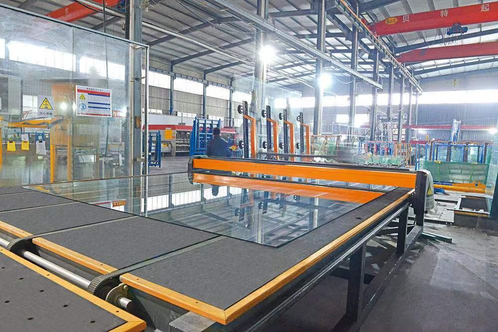 全自動玻璃裁割生產線