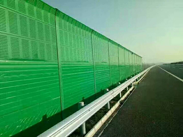 公路边界隔声屏障
