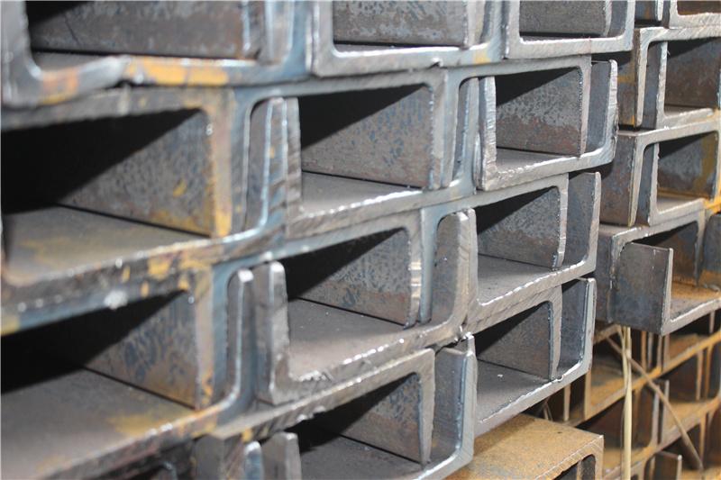南川工字钢可分为热轧南川工字钢和焊接南川工字钢