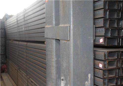 进口角钢多为大小角钢、异形角钢,出口角钢多为6号、7号等中型角钢