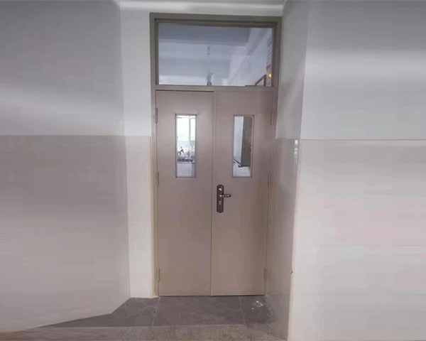 钢制学校门
