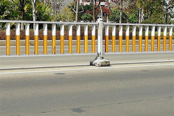 漳州城市道路该如何合理设置护栏?从设计到安装方式