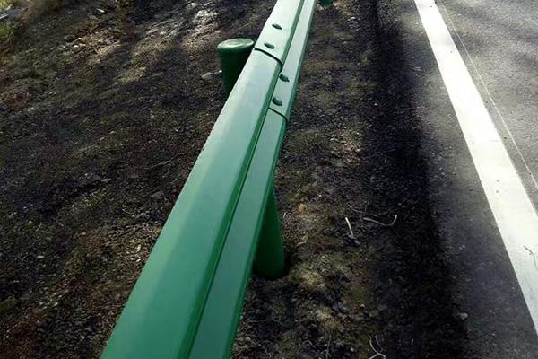 高速公路波形防撞护栏