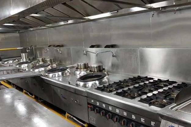今天给大家分析一下酒店厨房工程布局的原则有哪些?