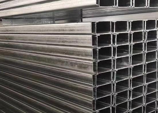 襄阳集装箱材料外侧板维护结构及运输方案
