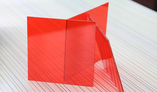 红色PC耐力板