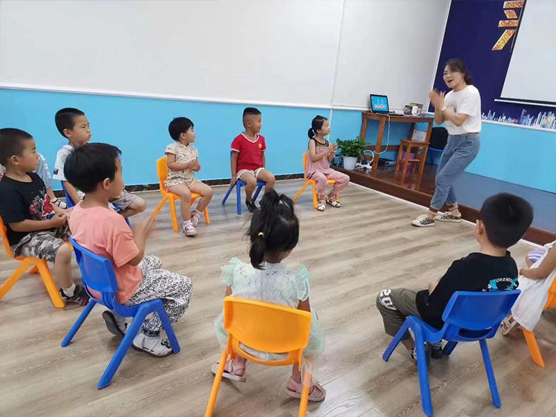 儿童口才室内练习