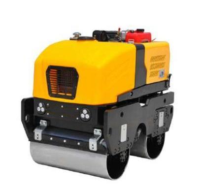 遥控电动座驾式压路机