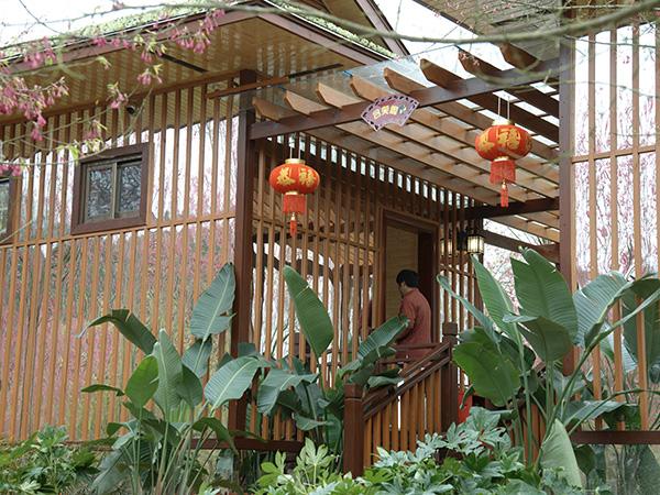 福建木别墅和沥青瓦的搭配的优点