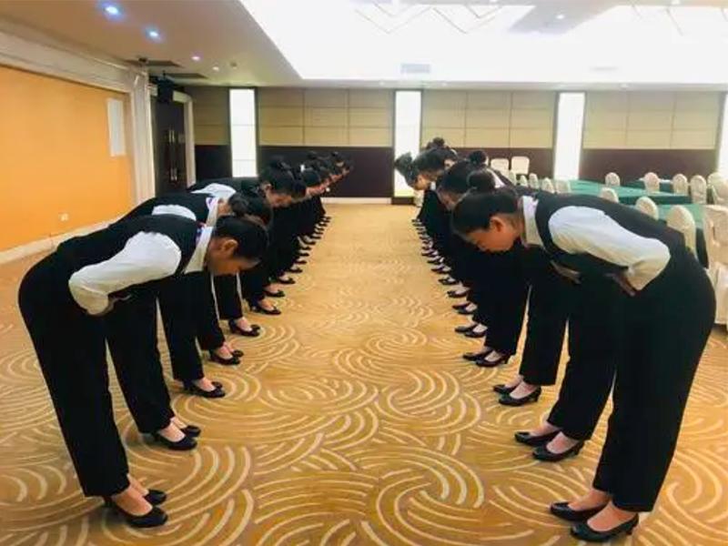 礼仪培训:办公室里要注意哪些礼仪规范?