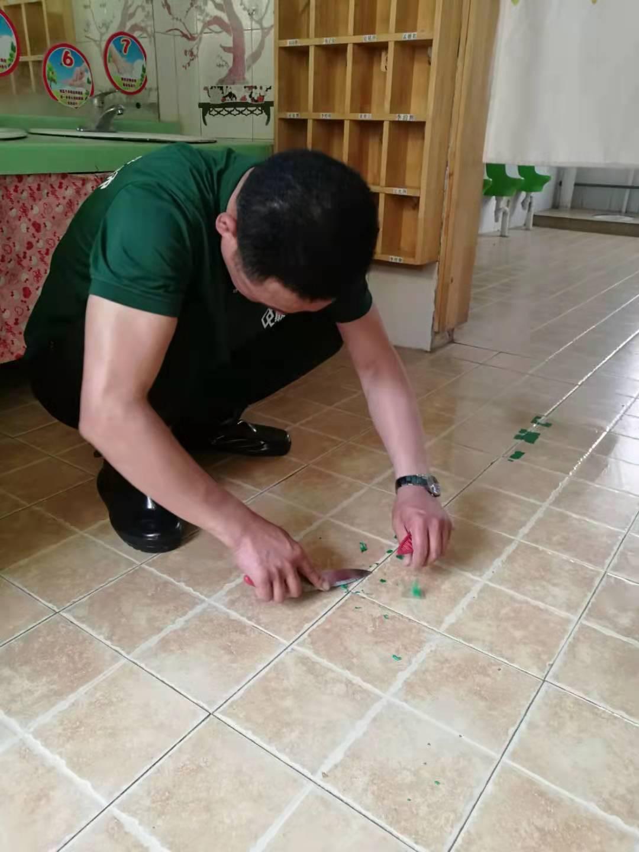 挑选瓷砖的时候 一定要考虑防滑效果!