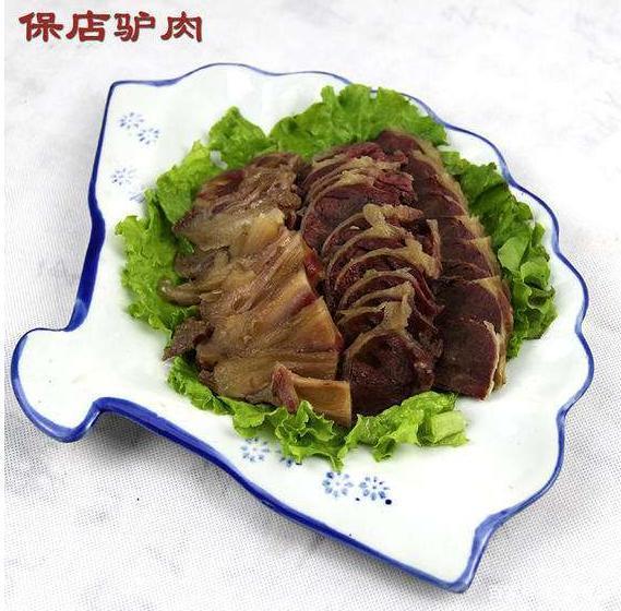 西关邢甲驴肉教您五香酱驴肉的做法。