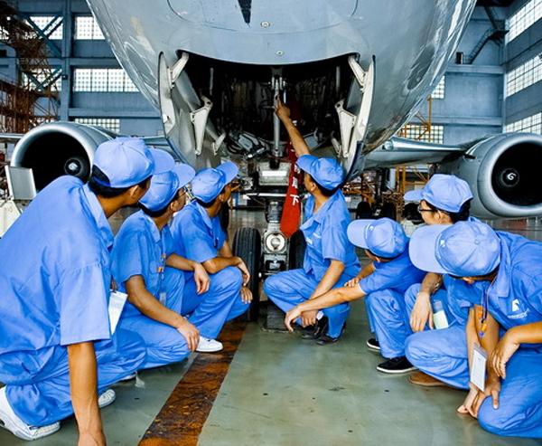 昆明艺术职业学院信息科学学院飞行器维修技术专业有身高要求吗?