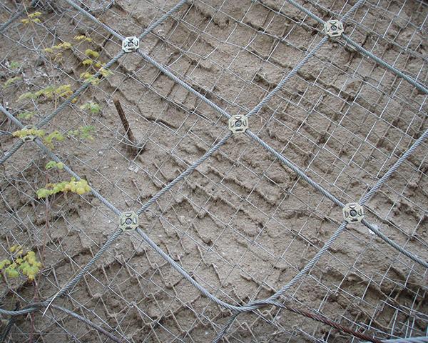 山体主动防护网