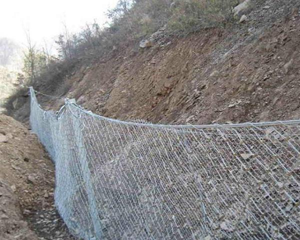 被动山体防护网