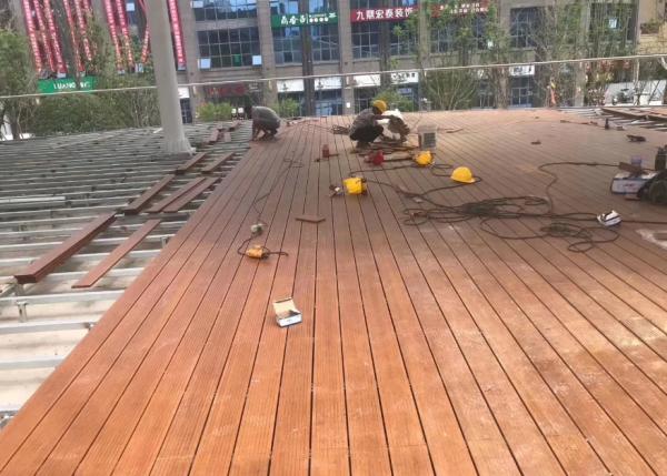 遂宁滨江路—高耐竹地板