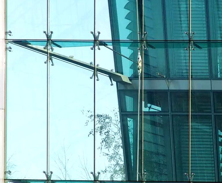 玻璃幕墙安装厚度有什么要求?规范安装厚度是多少?