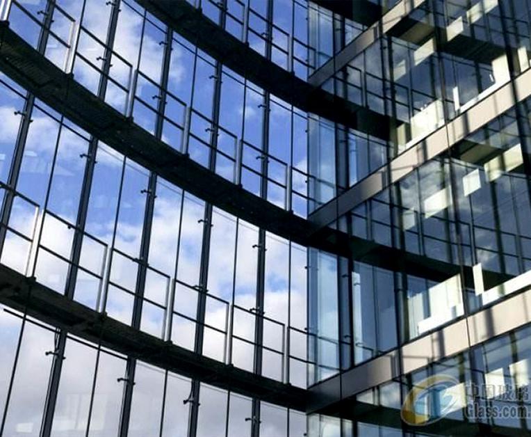 昆明幕墙公司介绍玻璃幕墙一般能用多久?正常的使用寿命有多长?
