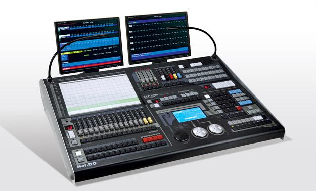 EXP8000  (中/英)文电脑灯控台
