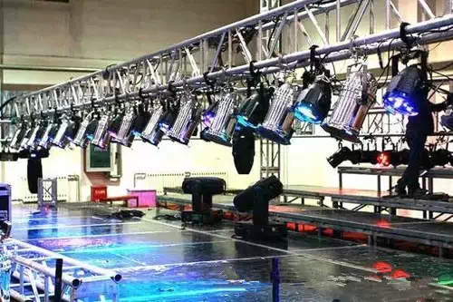舞台音响设备出现问题应如何解决