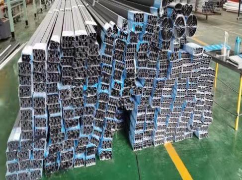 鋁型材進行氧化處理需要注意的方面