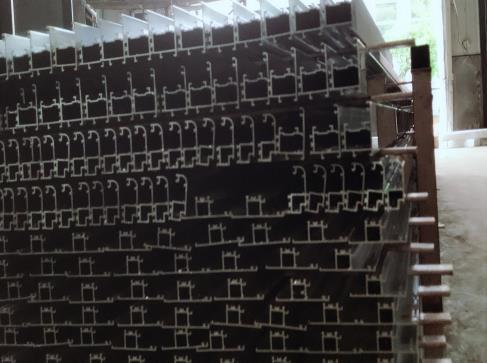 斷橋平開窗鋁型材