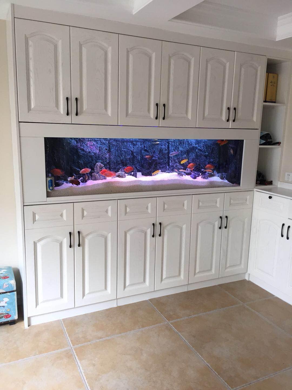 重庆鱼缸厂家分享鱼缸柜的定制工艺是什么?