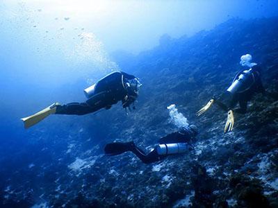 在水肺潜水之后应该避免哪些剧烈运动呢