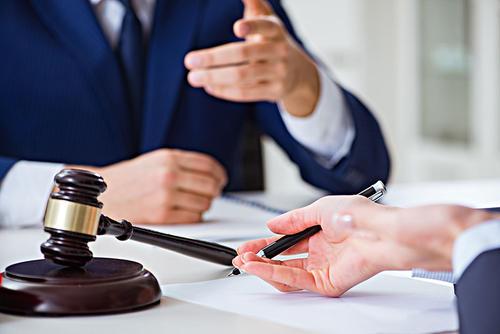 雨花台区离婚纠纷-男方起诉离婚后撤诉,双方协议离婚女方获取房