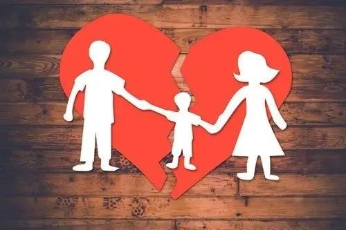 女方起诉离婚 争取子女抚养权 (标准案例示范 )