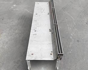 偏缝式不锈钢沟线槽盖板