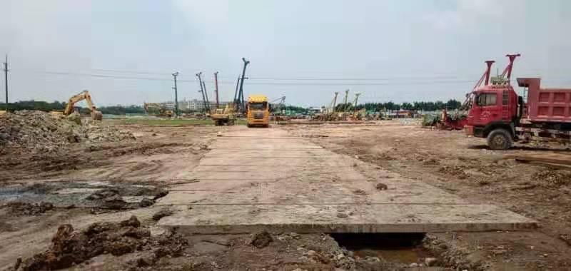 湖南长沙铺路钢板租赁使用施工案例