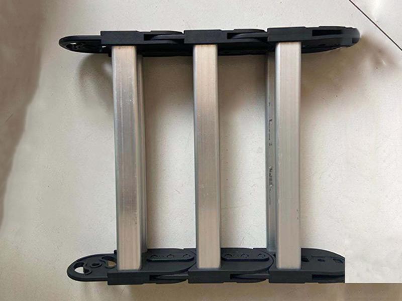 铝材拖链生产