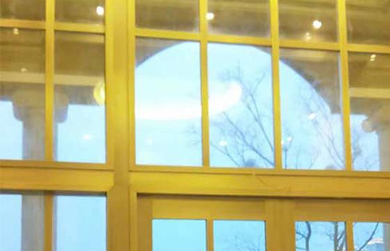 云南铜门山东城的东方明珠玻璃