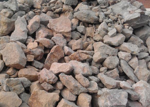 为何高强耐磨浇注料用铝矾土做…