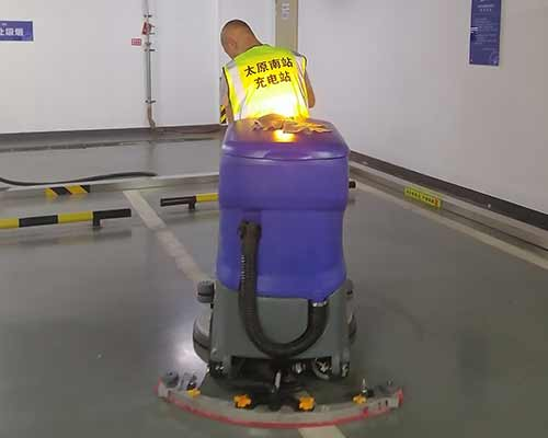 太原高铁站洗地机案例
