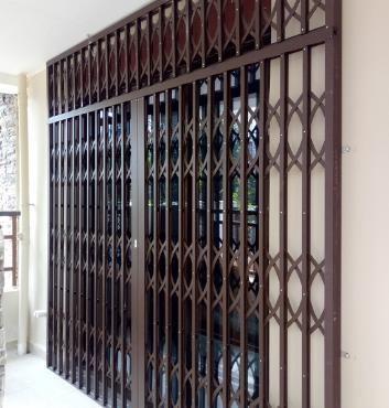 不锈钢折叠门