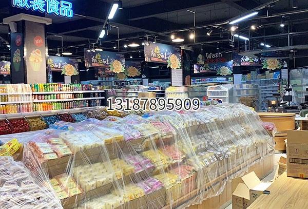 西双版纳曼弄枫百佳宜生活超市货架