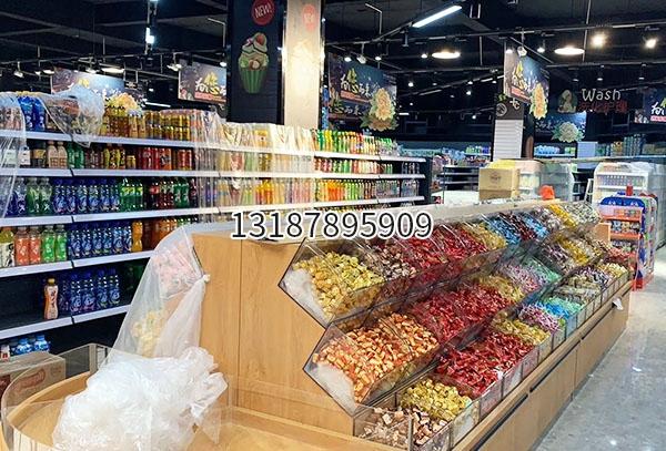 昆明超市饮料货架