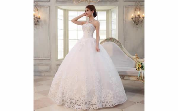 新娘齐地婚纱