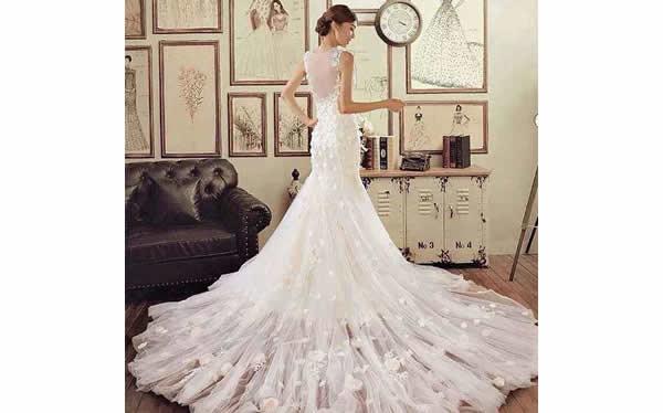 新娘贴身型婚纱